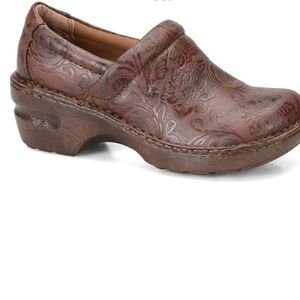 B.O.C. Peggy coffee clog Sz 7